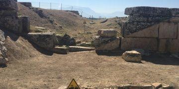 Ortasından Fay Hattı Geçen Antik Kent: Hierapolis