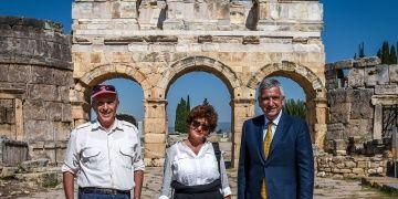 Hierapolis Antik Kenti Tofaşın Desteğiyle Kazılıyor
