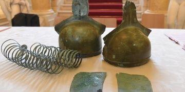 Slovakyada 3200 yıllık miğferler ve zırh parçaları bulundu