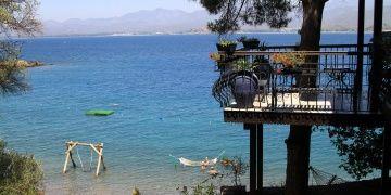 Şövalye Adası, tarihi kalıntıları ve doğasıyla turistleri bekliyor