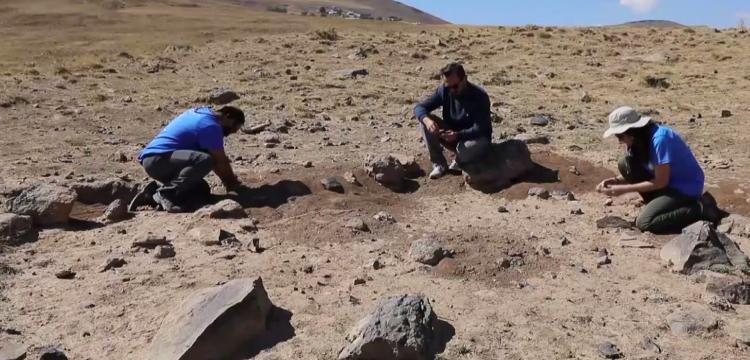Erciş'te 400 bin yıllık nadir rastlanan çadır şekilli yapı saptandı