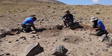Ercişte 400 bin yıllık nadir rastlanan çadır şekilli yapı saptandı