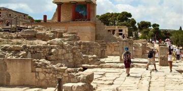 Yunan hükümeti arkeolojik alan ve müzeleri satacak iddiası