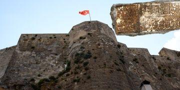 Bitlis Kalesi Kanuni Sultan Süleymanın emri ile onarılmış
