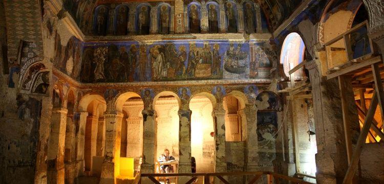 Kapadokya'daki Tokalı Kilise'nin görkemli freskleri restore ediliyor
