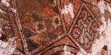 Samsunda bulunan Süleyman Düğümü motifli mozaik restore ediliyor