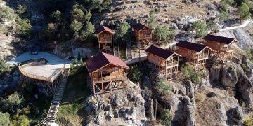 Boluda restore edilen 3500 yıllık kaya evlerinin kopyaları otele dönüşüyor