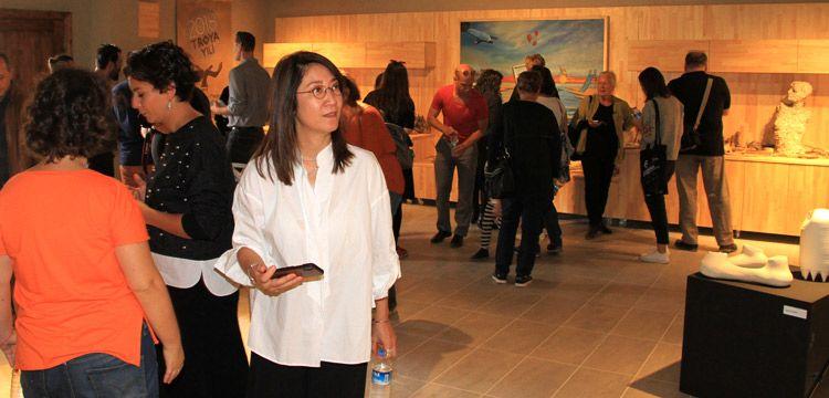 Tevfikiye Arkeo-Köyünde Troya'dan ilham alan Çanakkale Bienali sürüyor