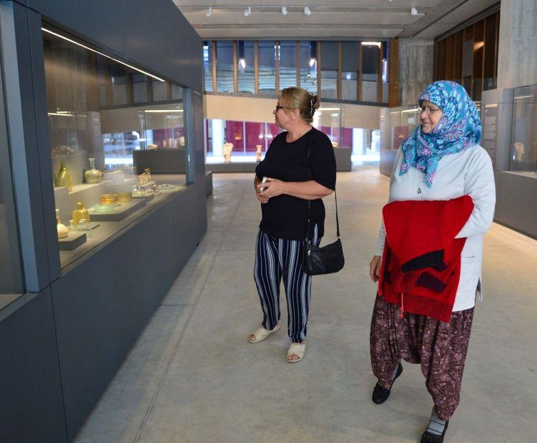 Ziyarete açılan Truva Müzesinin ilk ziyaretçileri