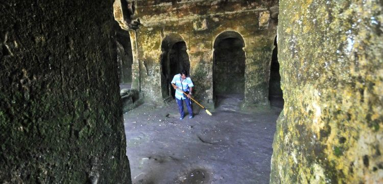 Kırklareli Aya Nikola Manastırı 40 yıldır ona emanet