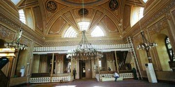 Restorasyonu biten Cihangir Camisi yeniden ibadete açıldı
