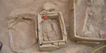 Impressive new finds at Akrotiri on Greek island of Santorini