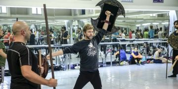 Balet Tan Sağtürk Troya ile 12 yıl sonra Hektor olarak sahneye çıkacak
