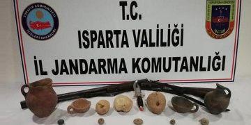 Konyadan Ispartaya satış için gelen iki tarihi eser kaçakçısı yakalandı