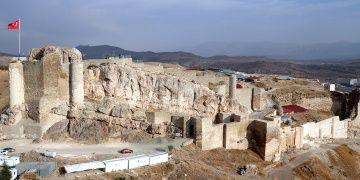 Harput Kalesinde 2019 yılı arkeolojik kazıları başladı