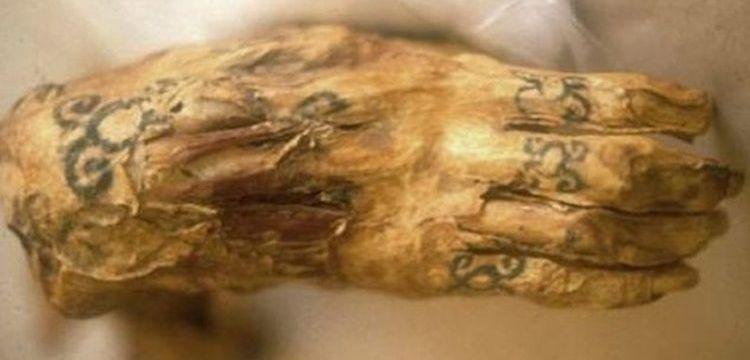 Mısır'daki 3 bin yıllık dövmeli kadın mumyasında 30 figür tespit edildi