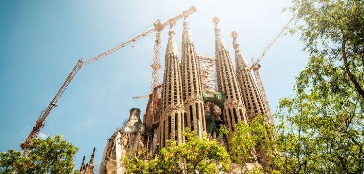 UNESCO Dünya Kültür Mirası listesindeki kaçak yapı Sagrada Familia'ya ceza