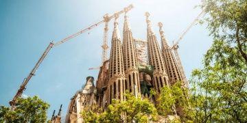 UNESCO Dünya Kültür Mirası listesindeki kaçak yapı Sagrada Familiaya ceza