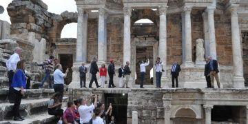 AB Ankara Büyükelçileri Laodikeia ve Hierepolis Antik Kentlerini gezdi