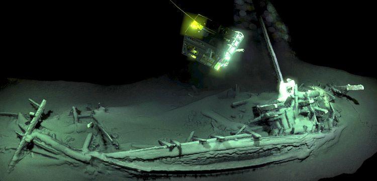Karadeniz'de 2400 yıllık sağlam batık gemi enkazı bulundu
