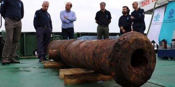 Didimdeki batık Rus gemisinden top ve mutfak eşyaları çıkarıldı