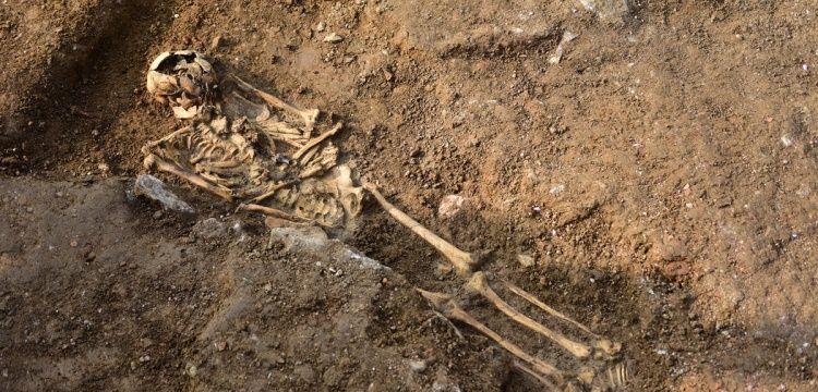 Haydarpaşa'da bin yıllık iskelet ve Bizans çeşmesi bulundu