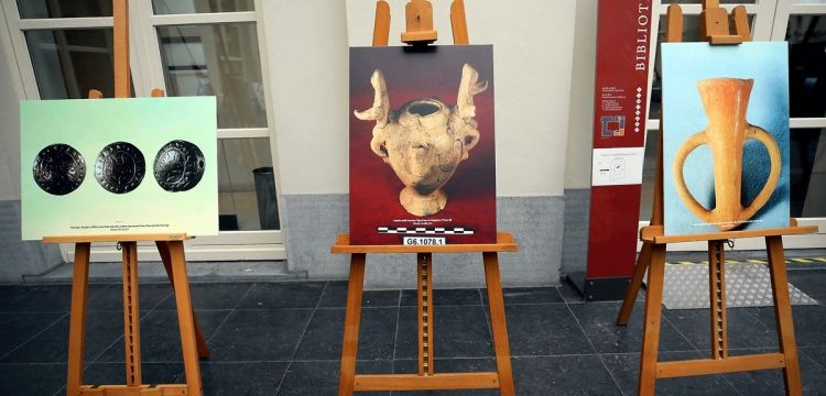 Brüksel'de Troya paneli ve resim sergisi