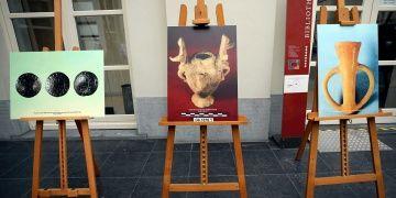 Brükselde Troya paneli ve resim sergisi