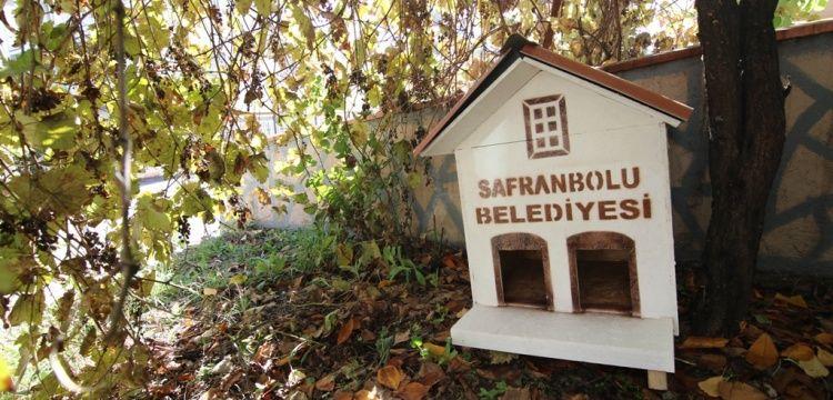 Kediler için Safranbolu evleri yapıldı