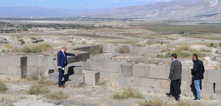 Erzincan'daki Altıntepe Kalesi arkeoparka dönüştürülecek