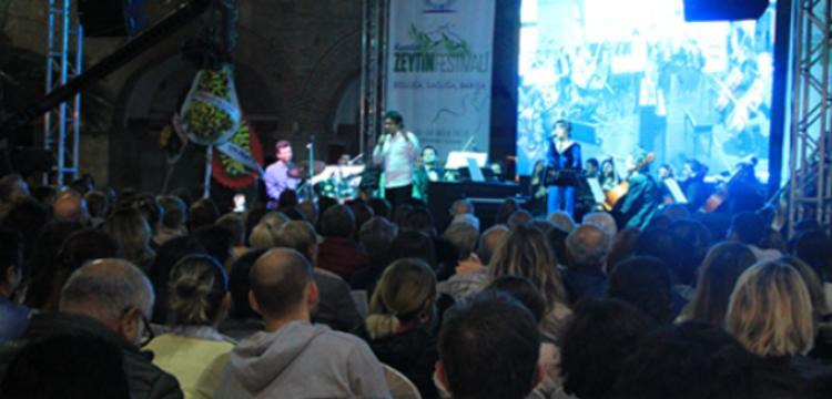 İki bin yıllık şarkı Seikilos Epitaph Kuşadası'nda seslendirildi