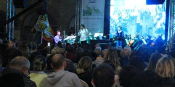 İki bin yıllık şarkı Seikilos Epitaph Kuşadasında seslendirildi