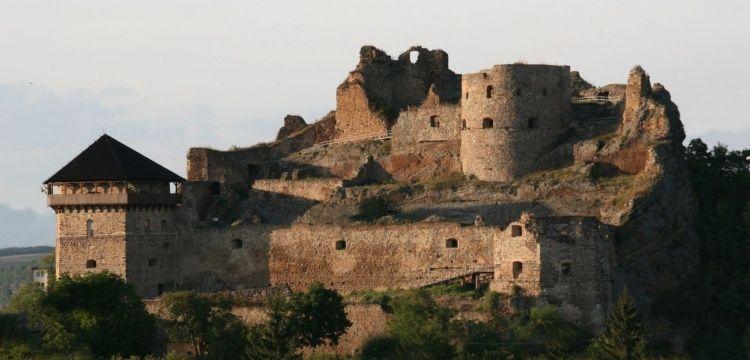 Slovakya'da arkeoglar Osmanlı dönemi namaz taşı buldular