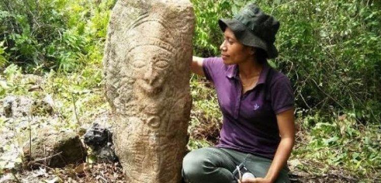 Papua'da megalitik iki heykel bulundu