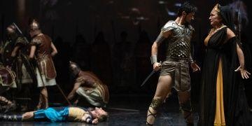 Devlet Opera ve Balesi sanatçılarından muhteşem Troya provası