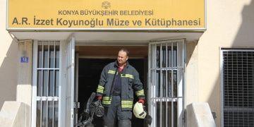 Ahmet Rasih İzzet Koyunoğlu Müze ve Kütüphanesinde yangın paniği