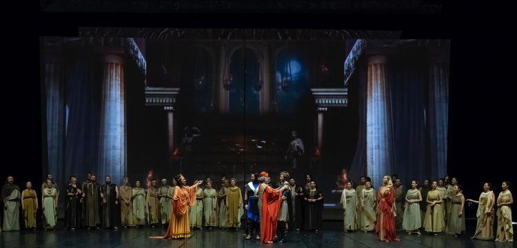 Troya Operası'nın dünya prömiyeri yapıldı