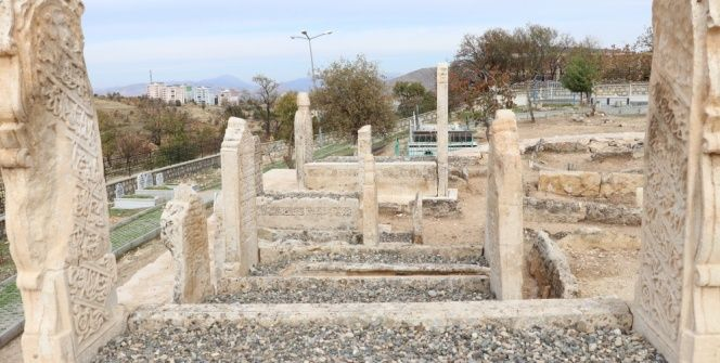 Tillodaki 250 yıllık Sultan Memduh Mezarlığında restorasyon sürüyor