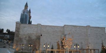 Eşsiz çinileri ile ünlü Gök Medresenin restorasyon çilesi bitmek üzere
