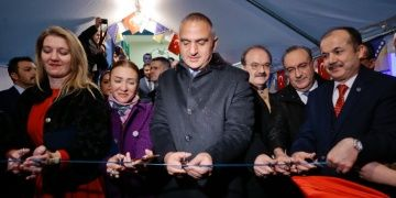 Bakan Ersoy Mostarda restorasyonu biten Karagöz Bey Medresesini açtı