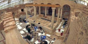 Efeste mimari açıdan önemli arkeolojik keşif: Ahşap çatı bulundu