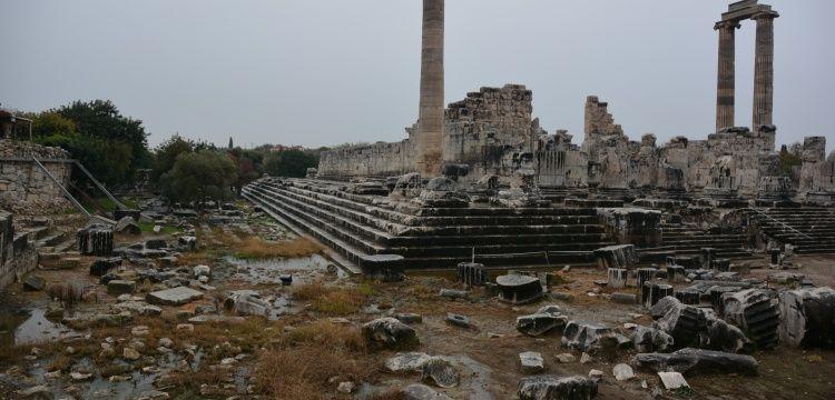 Didim Apollon Tapınağında su sızıntısı tespit edildi