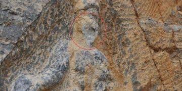 İznikte iki bin yıllık Herkül kaya kabartması tahrip edildi