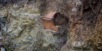 Bodrumda sel gitti antik lahit kaldı!