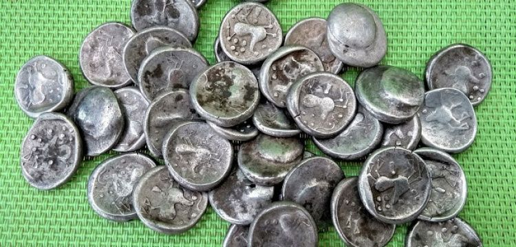 Slovakya'daki arkeoloji kazısında 40 gümüş Kelt sikkesi bulundu