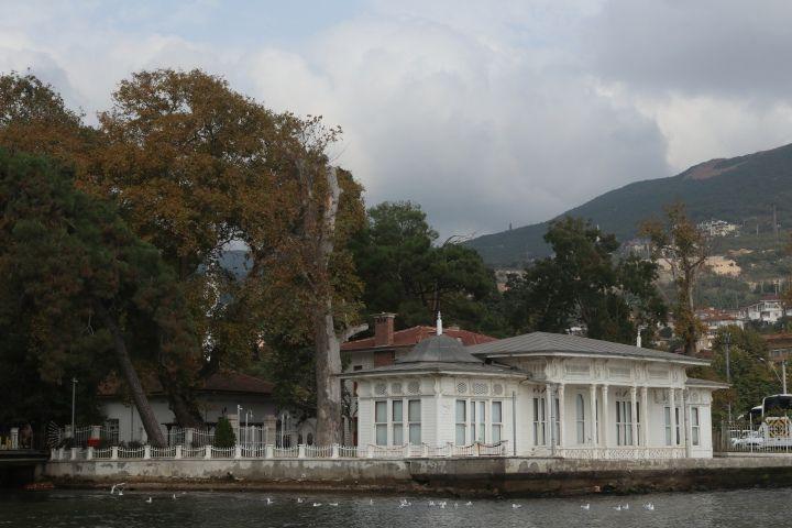 Kaiser Wilhelm Köşkü: İstanbul'da inşa edilerek Hereke'ye taşındı