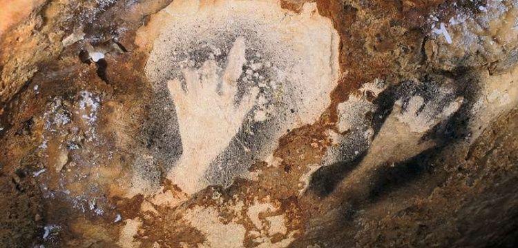 Paleolitik çağ el izlerindeki eksik parmaklar bilinçli mi kesilmişti?