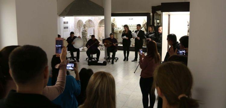 Edirne arkeoloji müzesinde Türk müziği konseri