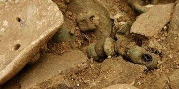 İranda 2 bin yıllık Parth mezarı bulundu