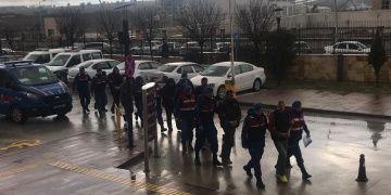 Uşakta kaçak kazı yapan 8 defineci jandarma ekiplerince yakalandı
